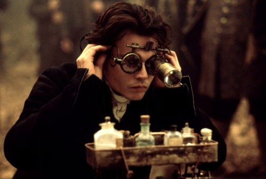 Johnny-Depp-glasses-sleepy-hollow-1050x709